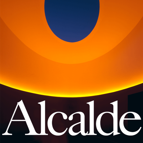 """A hovering oval with """"Alcalde"""" written under it"""