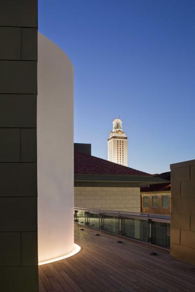 University of Texas Landmarks - Represents 02 43 james turrell the color inside 2013 photo by paul bardagjy?itok=0JBvAazH