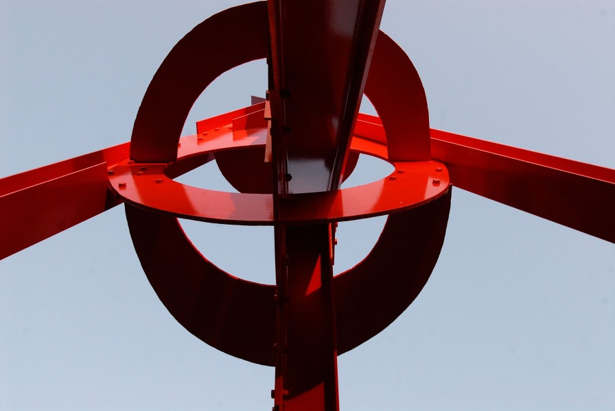 University of Texas Landmarks - Represents 07 disuveromark clockknot web photobymarshamiller di suvero sculpture 20083590?itok=phUtVEyj