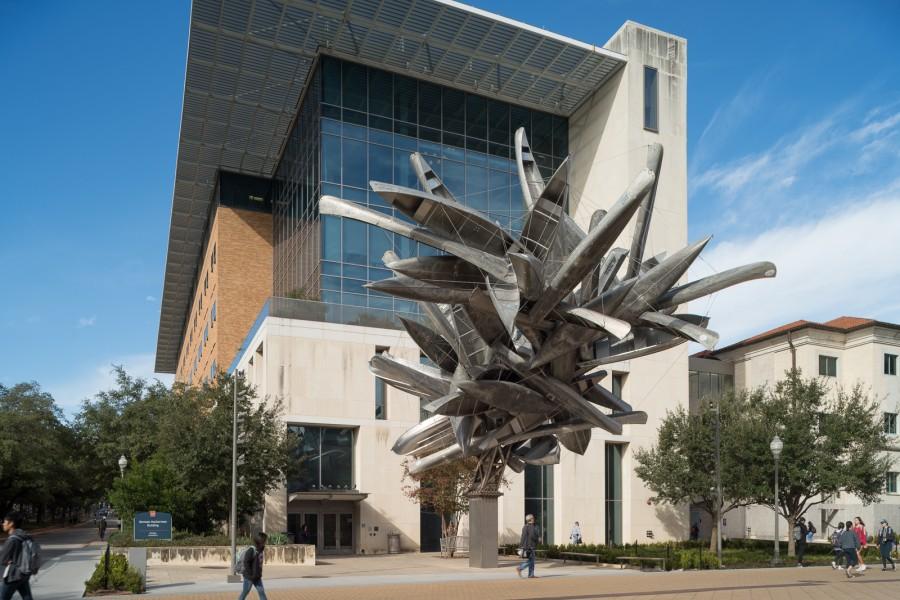 University of Texas Landmarks - Represents dsc 7622 rubins monochromeforaustin final photobypaulbardagjy?itok=rWtvTane