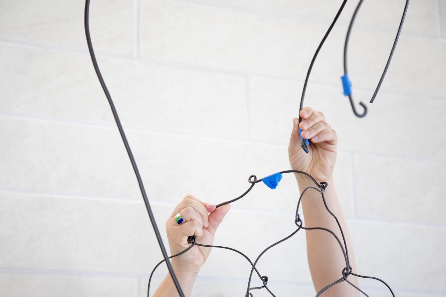 install process of mobile made of wire